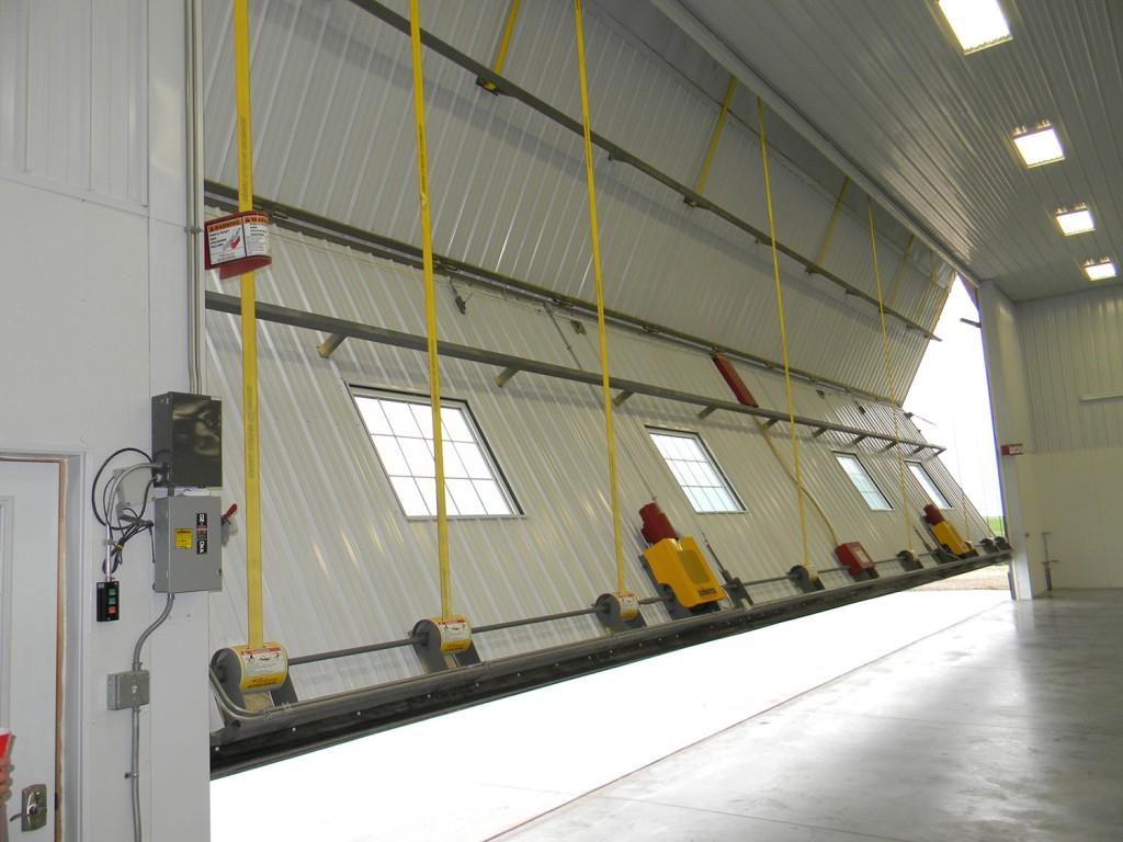 Schweiss lift straps on bifold door
