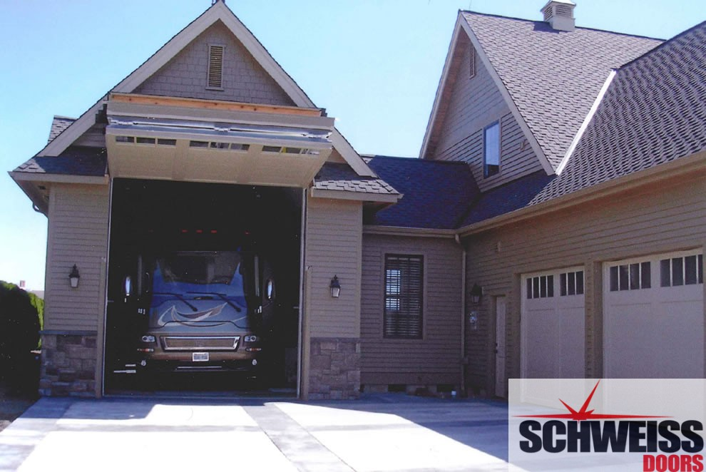 Schweiss hydraulic doors and liftstrap bifold doors give for Rv garage door dimensions