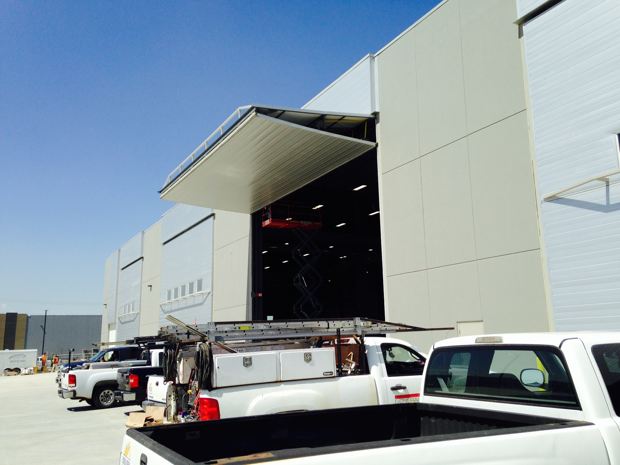 Schweiss bifold doors are ideal for commercial and industrial uses. & Why customers buy Schweiss Doors   Schweiss Bifold \u0026 Hydraulic Doors ...