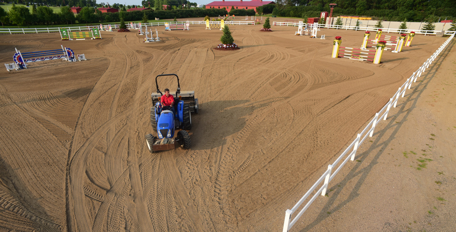 Schweiss Doors Maintains horse Arenas