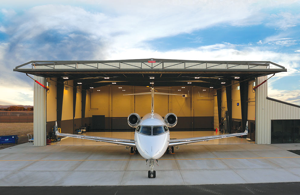 Airplane Sizes for Aircraft Hangar Doors: Model, Wingspan