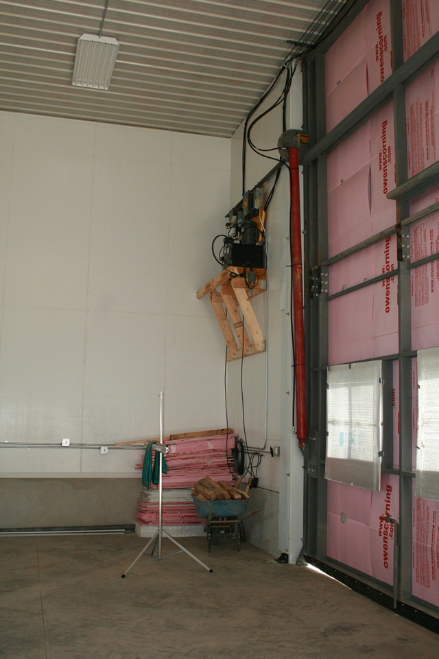 Two hydraulic pumps control hydralic doors