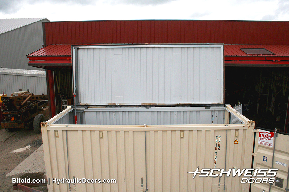 Easy Access to Container through Schweiss Hydraulic Container Lid Door