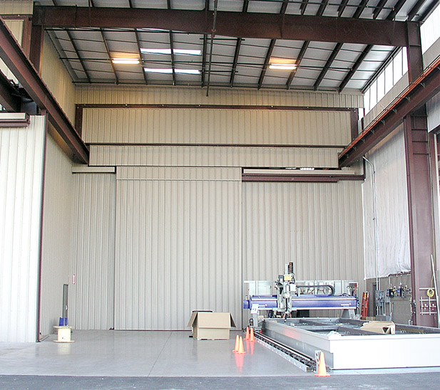 Hydraulic One Piece Crane door can be remote opened and closed