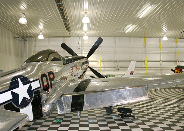 museum/hangar has twenty Schweiss patented lift straps to stand against 190 mph winds