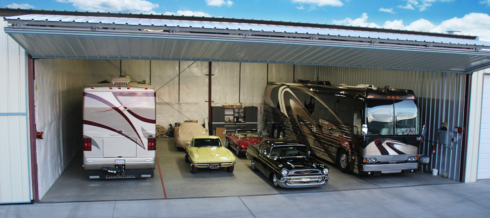50x50 storage unit has room to spare for motorcoaches, vehicles, ane more