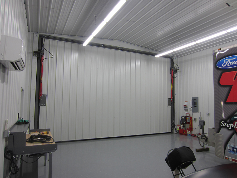 Garage door opens in 30 seconds with the Red Power hydraulic pump