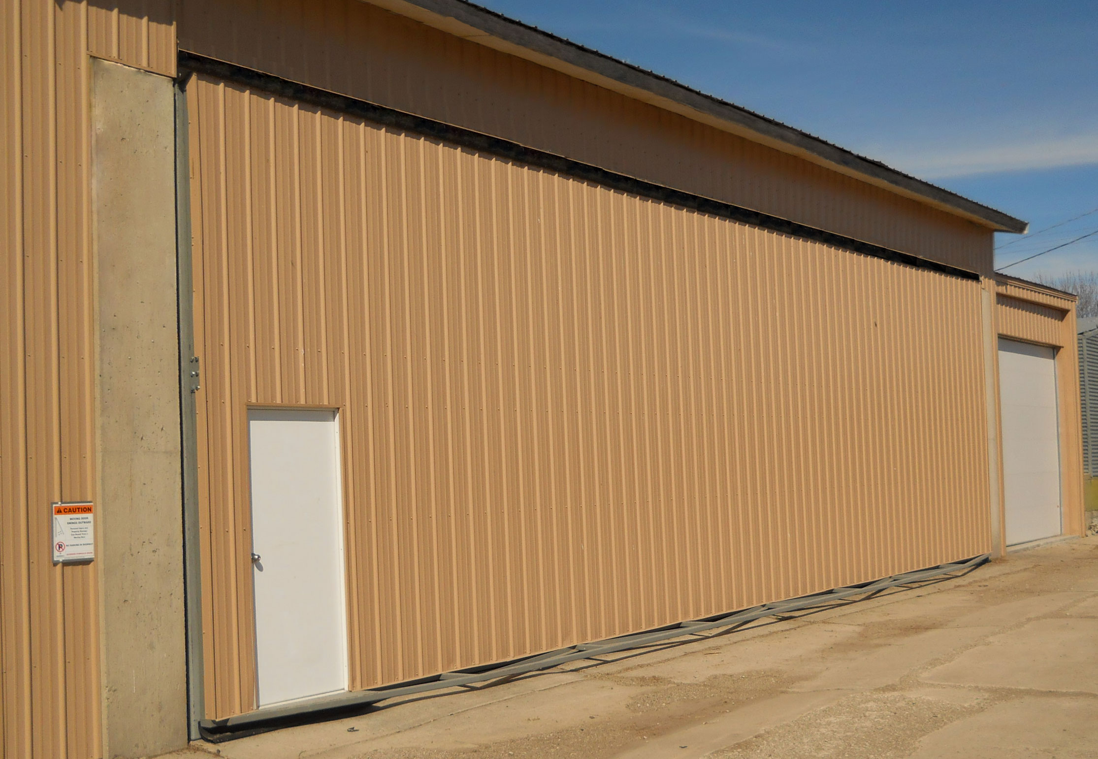 Hydraulic door walkdoors