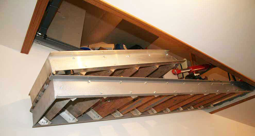 Ceiling hidden hydraulic staircase