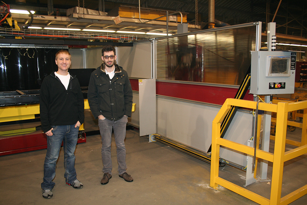 Italy Visitor sees plasma machine and robotic welder