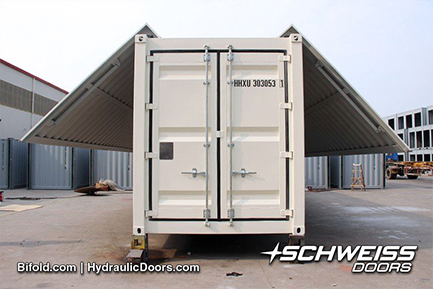 Hydraulic swing-out doors