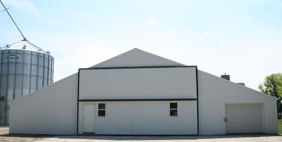 Bifold doors for quonset buildings