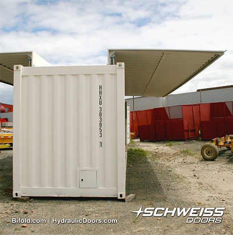 Schweiss Hydraulic Doors lift up and Out