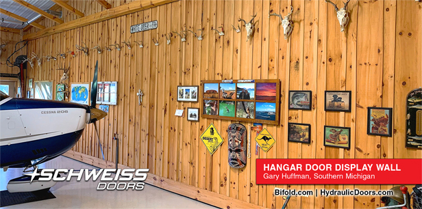 Hydraulic Hangar Door Display Wall