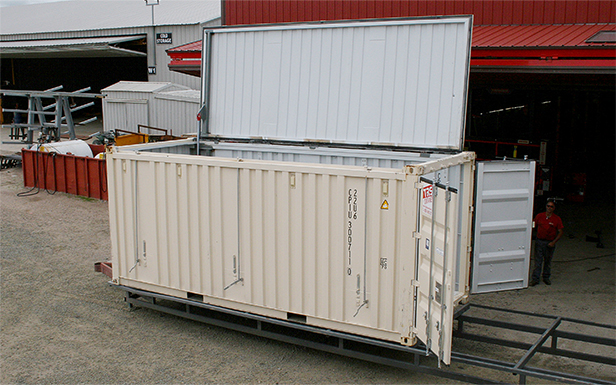 Hydraulic door opens the top of Container