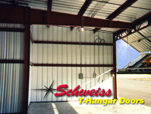 T-Hangar with Bifold Door