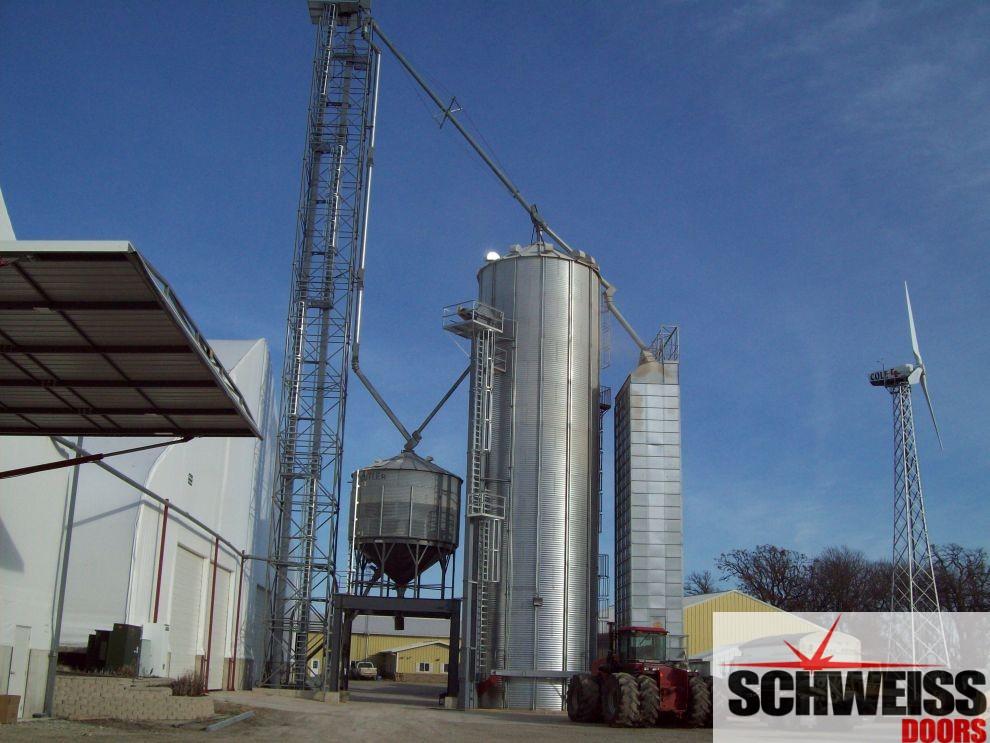 Farm and Grain Hydraulic doors